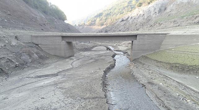 Yuvacık Barajında su seviyesi düşünce eski köprü ortaya çıktı