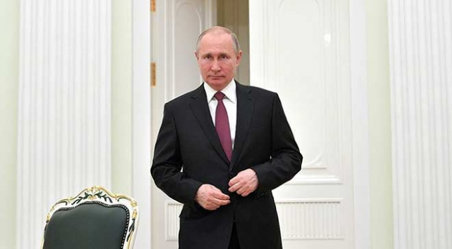 Putin ile Zelenskiy Normandiya zirvesi öncesi görüştü