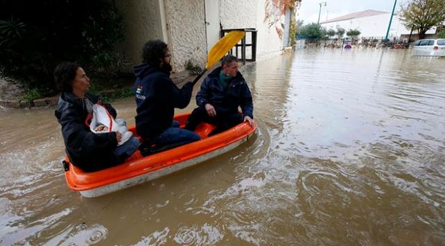 Avrupada sel felaketi 9 can aldı