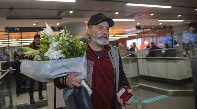 Emmy ödüllü oyuncu Bilginer İstanbula döndü