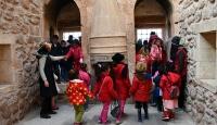 Ağrılı çocuklar ilk defa köy dışına çıkarak tarihi yerleri gezdi