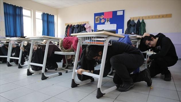 MEBden pansiyonlu okullarda afet ve ilk yardım eğitimi