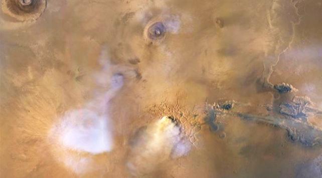 Marstaki kum fırtınaları gezegeni toz kuleleriyle kaplıyor