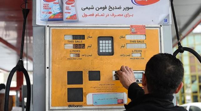 İran Petrol Bakanı: Günlük benzin tüketimi yaklaşık 20 milyon litre azaldı