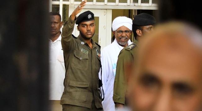 Sudanda Beşirin partisinden hükümete tehdit