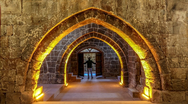 Bitlisin İpek Yolu güzergahındaki tarihi kervansarayları