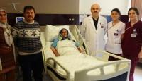 Su içerken yemek borusu yırtılan yaşlı kadın sağlığına kavuştu