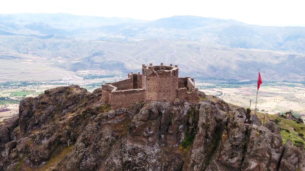 Şehir, liman ve vadilerin koruyucusu tarihi kaleler