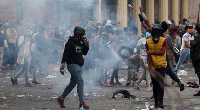 Necefteki gösterilerde İran Başkonsolosluğu yeniden ateşe verildi