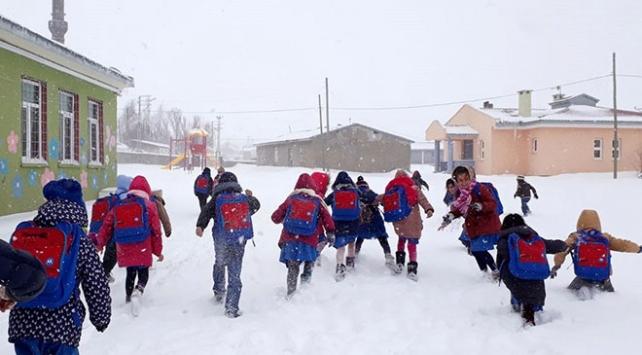 Erzincan Refahiyede taşımalı eğitime kar tatili