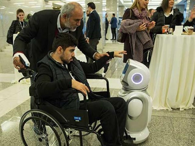 Engelli bireylerin eğitime katılımı için yeni teknolojiler tanıtıldı