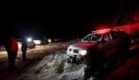 Uludağ'da iki dağcıyı arama çalışmalarında 30 saat geride kaldı