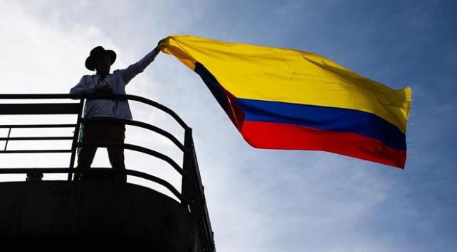 Kolombiyada hükümetin diyalog masasına genel grevi örgütleyenler de katılacak