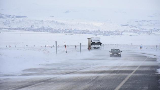 Doğu Anadoluda 280 köy ve mahalle yolu ulaşıma kapandı