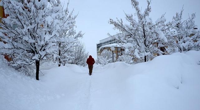 Yarın ülke genelinde yağmur ve kar bekleniyor