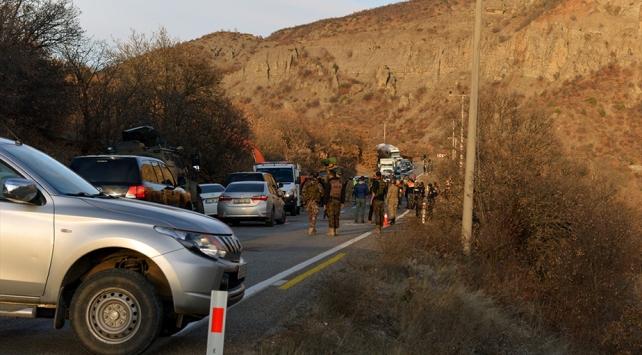 Tuncelide devrilen askeri araçtaki 13 asker yaralandı