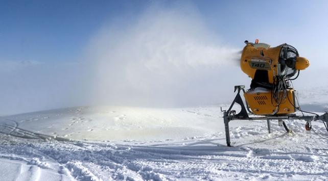 Erciyes Dağında 45 bin metreküp yapay kar üretildi