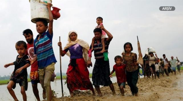 Myanmarın güneyinde çıkan çatışma nedeniyle 870 kişi Taylanda sığındı