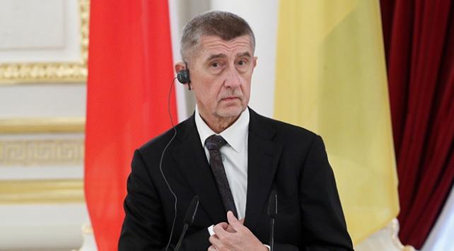 Çekya Başbakanı Babisten istifa açıklaması