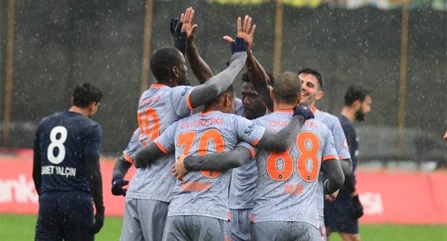 Medipol Başakşehir kupada avantaj sağladı