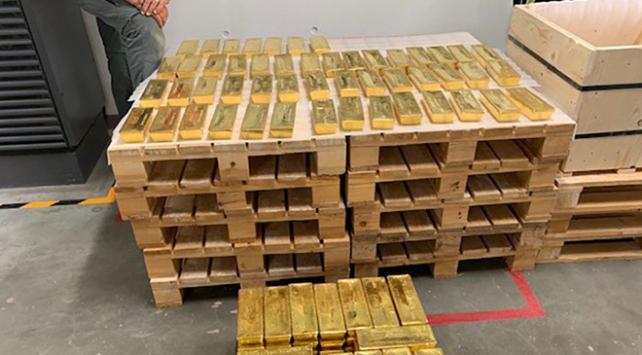 Polonya 100 ton altınını İngiltereden geri aldı