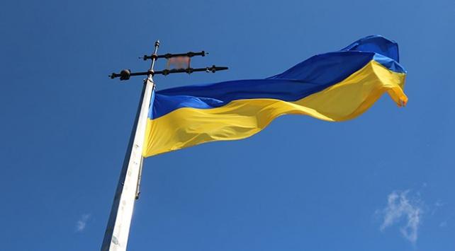Ukraynada artık kimliklerde başörtülü fotoğraf kullanılabilecek