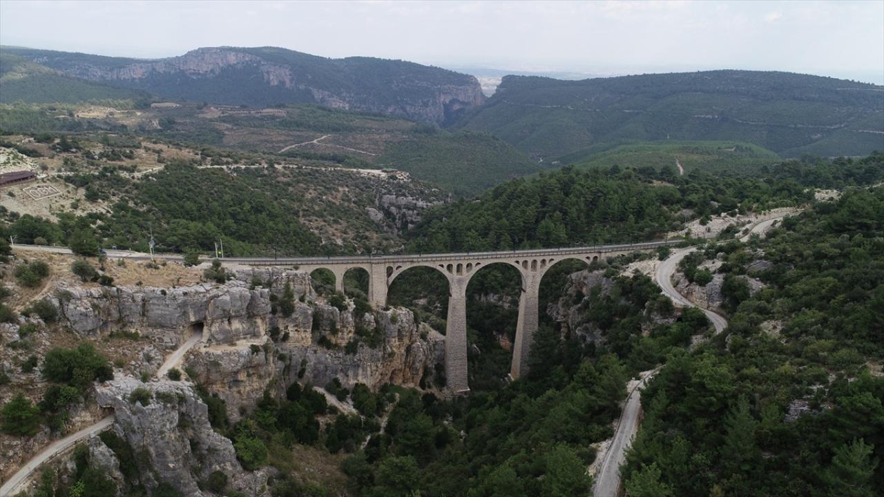 """""""James Bondun düştüğü köprü""""nün ışıklandırması bir ayda tamamlanacak"""