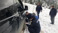 Antalya'da araçları kara saplanan 3 kişinin imdadına jandarma yetişti