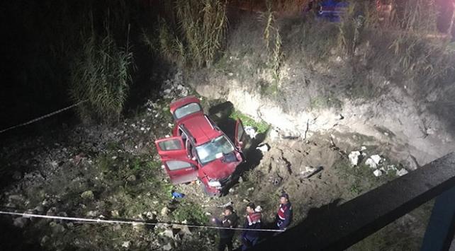 Manisada dereye devrilen otomobildeki muhtar öldü
