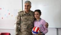 İl jandarma komutanı Zeynep'in mektubuna duyarsız kalmadı