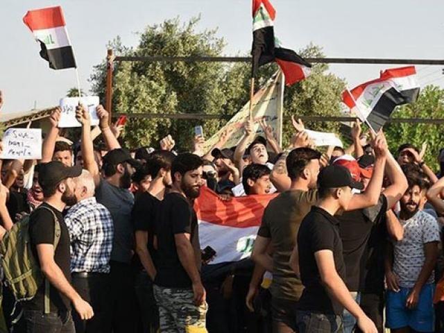 Irak'ta göstericilere ateş açıldı