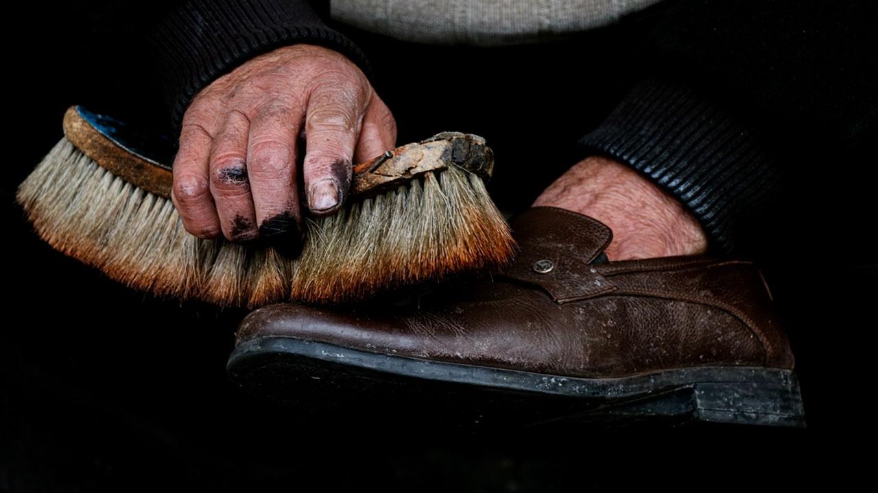 Ayakkabı boyayarak geçen yarım asır