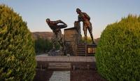 Seyit Onbaşı'yı yılda 20 bin kişi ziyaret ediyor
