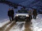 Elazığ'da karda mahsur kalan mangal kömürü işçileri kurtarıldı