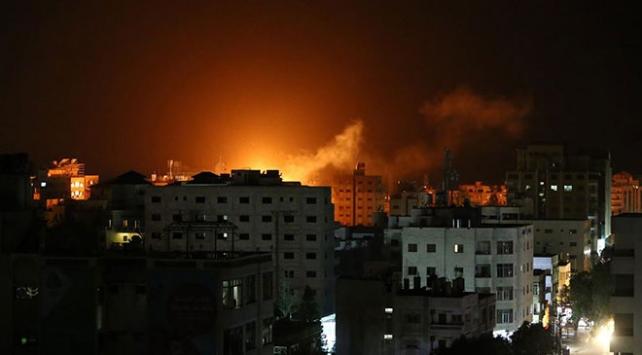 İsrail savaş uçakları Gazzeyi vurdu