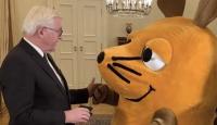 Almanya Cumhurbaşkanı Steinmeier, fareye liyakat nişanı verdi