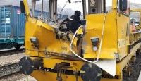 Sivas'ta iş makinesiyle mobil araç çarpıştı: 1 ölü, 7 yaralı