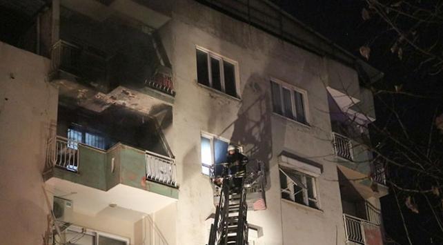 Aydın'da yangın 2 evde hasara neden oldu