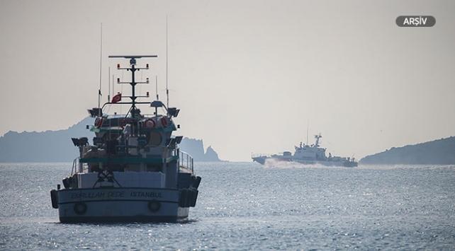 İzmirde 65 düzensiz göçmen yakalandı