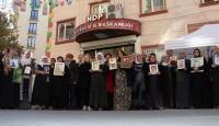 HDP önünde eylem yapan annelerden biri daha evladına kavuştu