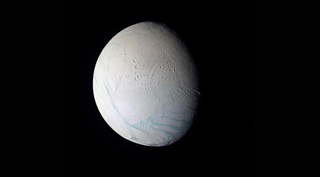Satürnün uydusu Enceladusun sırrı çözüldü