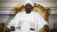 Devrik Sudan lideri Beşir 1989 darbesiyle ilgili savcıya ifade verdi