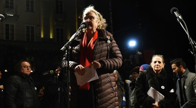 İsveçli gazeteci Doctare, Peter Handkeye tepki olarak Nobel madalyasını iade ediyor