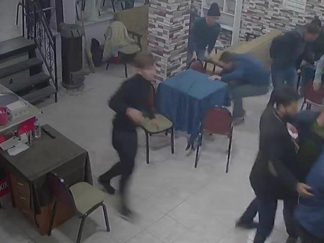 Balıkesir'de deprem anı kamerada