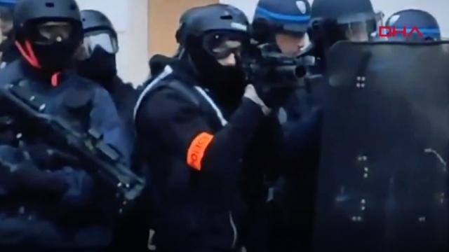 Fransa polisinden eylemcilere sert müdahale