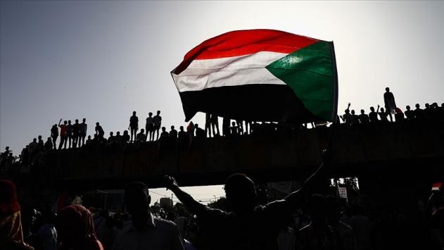 """Sudan """"terörü destekleyen devletler"""" listesinden çıkmak istiyor"""
