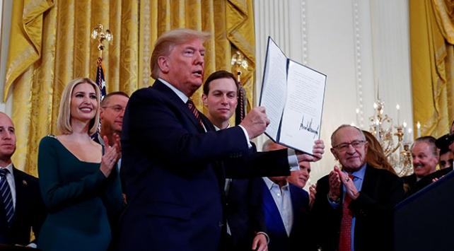 Trumptan Yahudiliği etnik köken olarak tanıyan başkanlık kararnamesi