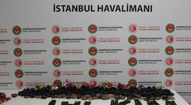 İstanbul Havalimanında yaklaşık 15 kilo kokain ele geçirildi