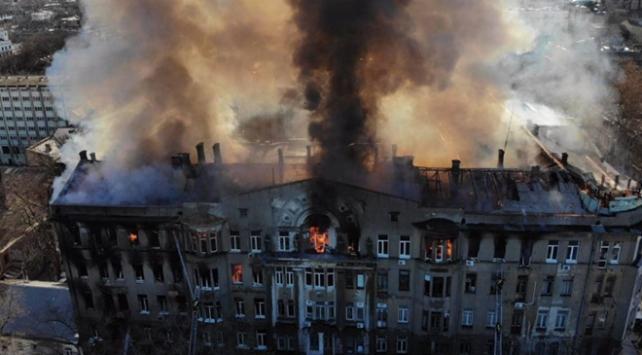 Ukraynada okulda çıkan yangında ölü sayısı 16ya yükseldi