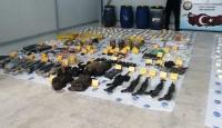 Diyarbakır'da PKK operasyonunda 271,5 kilo patlayıcı ele geçirildi